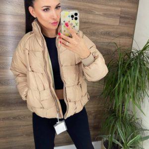 Купить беж женскую куртку-жилетку трансформер по скидке